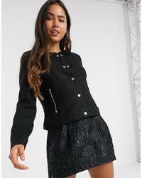 Vero Moda – Kurzer, schwarzer Blazer mit Knopfleiste