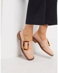 ASOS – Millicent – Loafer aus hochwertigem Leder mit eckiger Zehenpartie und Schnalle - Natur