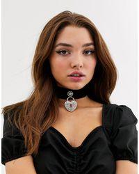 Glamorous Black Velvet Choker With Rhinestone Heart Padlock
