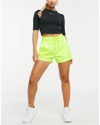 Nike Неоново-желтые Фестивальные Шорты -желтый