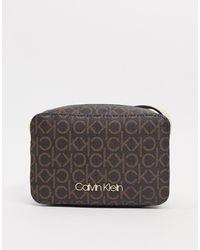 Calvin Klein Calvin Klein - Cameratas Met Crossbodyband En Logo - Bruin