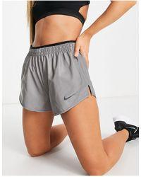 Nike – Run Division – e Shorts mit reflektierendem Design - Schwarz