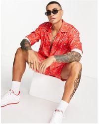 Mennace – Hemd mit Reverskragen und Bandana-Muster - Rot