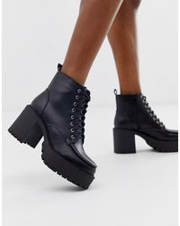 b850d4b7e3f Chunky Heeled Lace Up Boots In Black