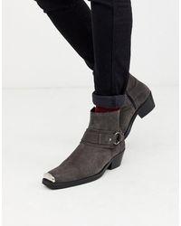 ASOS Suède Western Chelsea Boots Met Cubaanse Hak, Vierkante Neus En Metalen Details - Grijs