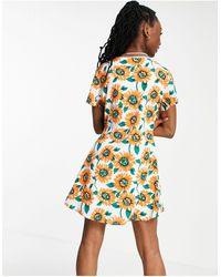 Daisy Street – Minikleid mit Sonnenblumenmuster - Weiß