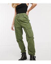 Bershka Pantaloni cargo con tasche kaki - Verde