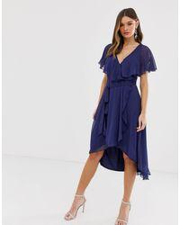 ASOS Vestido midi con bajo asimétrico y capa en la parte posterior - Azul
