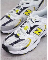 New Balance - Кроссовки Белого, Желтого И Темно-синего Цветов 530-белый - Lyst
