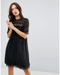 c059498ab64f Boohoo Floral V Neck Tea Dress in Black - Lyst