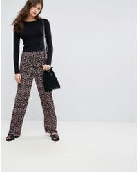 Pieces | Lommo Ditsy Floral Print Wide Leg Trousers | Lyst