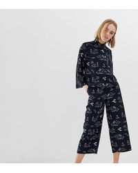 Monki Island Print Cropped Wide Leg Trousers In Navy - Blue