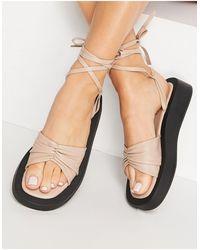 SIMMI Shoes Simmi London - Naeva - Sandali flatform color cammello allacciati alla caviglia - Neutro