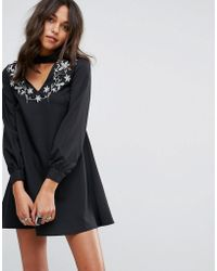 Glamorous - A Line Dress With Embroidered Choker Neck - Lyst