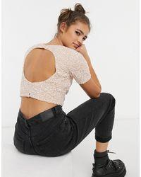 LACE & BEADS – Kurzes, verziertes Oberteil mit Rückenausschnitt - Pink