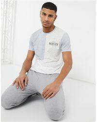 Burton – Berlin – T-Shirt im Farbblock-Design - Blau