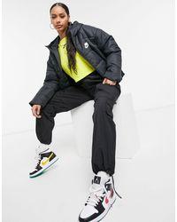 Nike Черный Пуховик С Логотипом Сзади