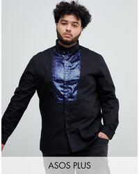 ASOS Camisa de satén de corte slim en negro con pechera de lentejuelas azul marino de Plus