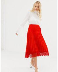 Liquorish - Pleated Mid Skirt With Lace Trim - Lyst