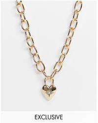 Reclaimed (vintage) Inspired - Collier à chaîne épaisse avec pendentif cœur - Métallisé