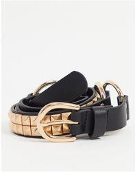 ASOS – Schmaler Gürtel aus schwarzem Kunstleder mit goldener, Nieten besetzter Schnalle