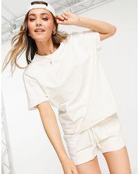 Chelsea Peers T-shirt confort oversize (pièce d'ensemble) - blanc cassé