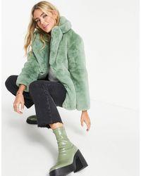 TOPSHOP – Flauschiger Mantel aus Kunstpelz - Grün