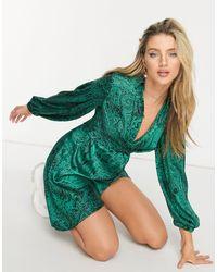 TOPSHOP - Зеленое Атласное Платье-рубашка С Принтом Пейсли И Запахом -зеленый Цвет - Lyst