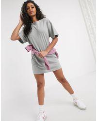 Nike Серое Свободное Платье-футболка С Логотипом-галочкой -серый