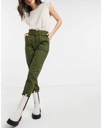 Moon River Pantalones verde oliva con cinturón incorporado
