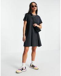 Weekday – teeny – t-shirt-minikleid aus bio-baumwolle - Schwarz