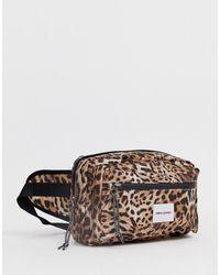 ASOS – Gürteltasche zum Umhängen mit Leopardenmuster - Braun