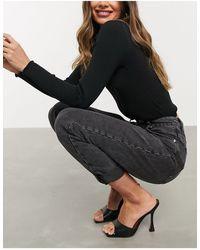 ASOS – Legere Mom-Jeans mit hohem Bund - Schwarz