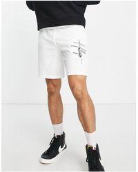 Hollister Белые Трикотажные Шорты С Вертикальным Рукописным Логотипом -белый