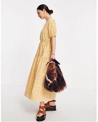 Y.A.S Приталенное Платье Макси В Мелкую Клетку Светло-коричневого Цвета С Расклешенной Юбкой -коричневый Цвет