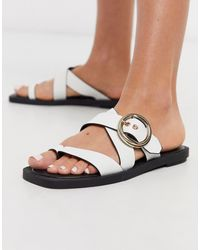 TOPSHOP Toe Post Strappy Sandal - White