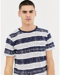 Tom Tailor – Gestreiftes, blaues T-Shirt mit Buchstaben