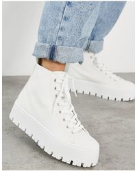 ASOS – Detra – Knöchelhohe Sneaker aus Canvas mit dicker Sohle - Weiß