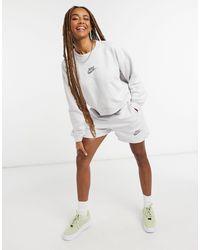 Nike Светло-серые Шорты Move To Zero-серый