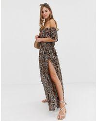 f049830ab1 ASOS - Falda larga de playa con estampado animal de cebra en color  chocolate de (