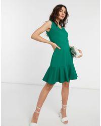 Closet Зеленое Платье Мини С V-образным Вырезом И Баской -зеленый