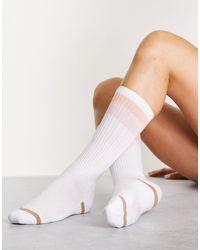 UGG Calcetines blancos deportivos con tres rayas clare