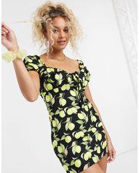 Glamorous Vestito milkmaid corto con ruches sul petto e stampa di limone - Nero