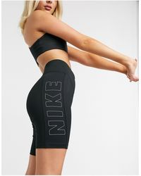 Nike – e Leggings-Shorts - Schwarz