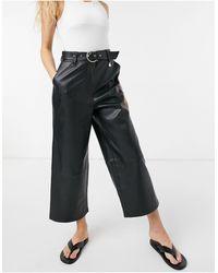 River Island Jupe-culotte large en imitation cuir avec ceinture - Noir