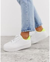 Truffle Collection Flatform Trainer In White And Neon Green