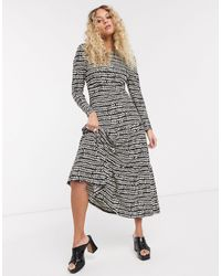 TOPSHOP Petite Black And White Abstract Tiered Midi Dress