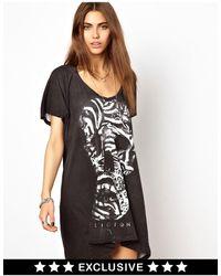 Religion – T-Shirt-Kleid mit Totenkopfdesign, exklusiv bei ASOS - Schwarz