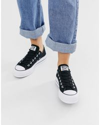 Chuck Taylor Platform Sneakers in White