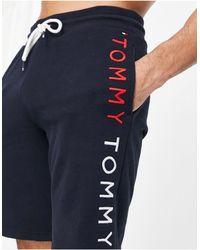 Tommy Hilfiger – e Lounge-Shorts mit seitlichem Logo - Blau